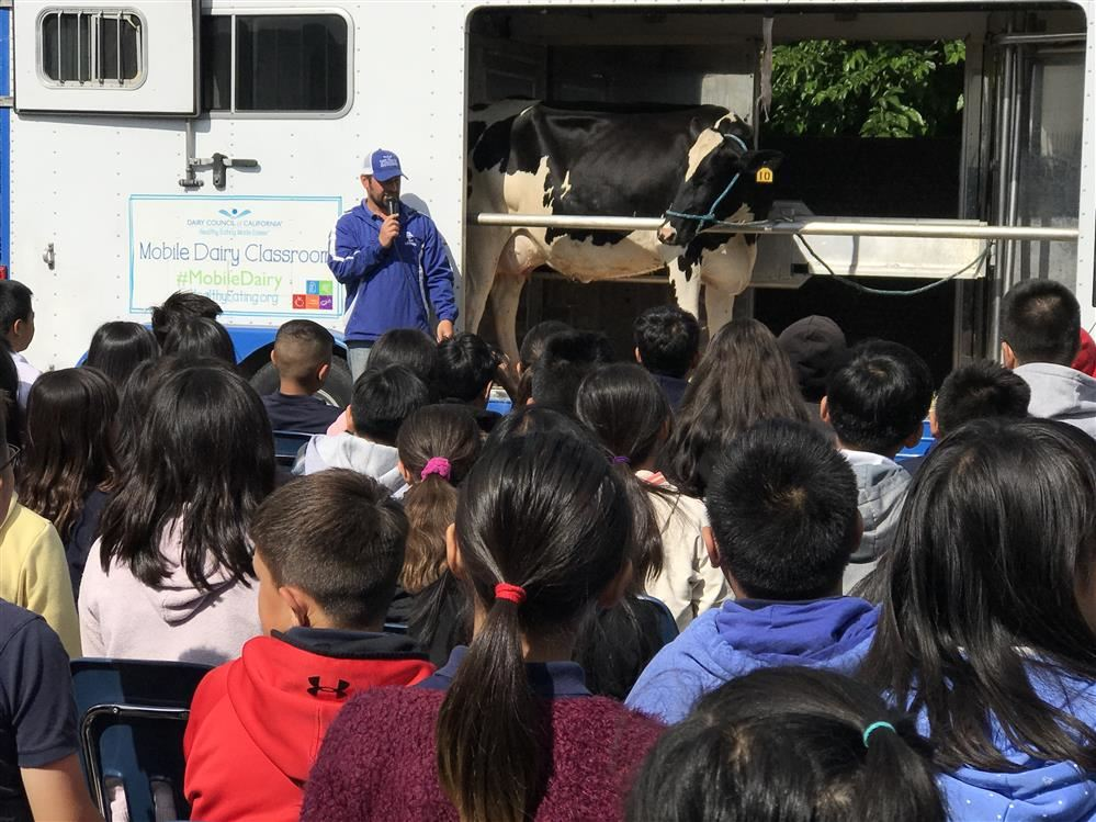 The Mobile Dairy Classroom Visits Shuey School!